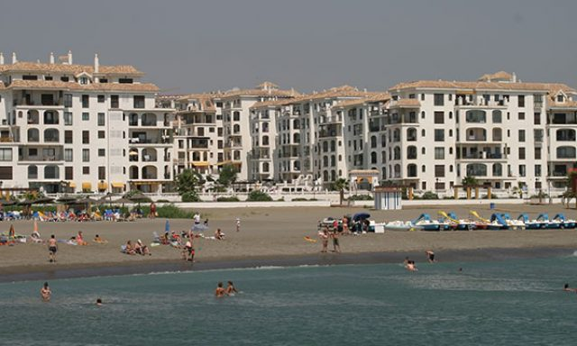 Marina Duquesa Apartments