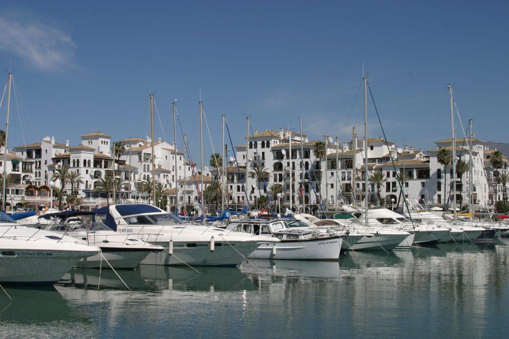 Puerto Duquesa port and marina